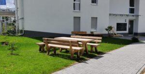 Die neuen Sitzmöbel für das FRONHOF-KARREE sind da